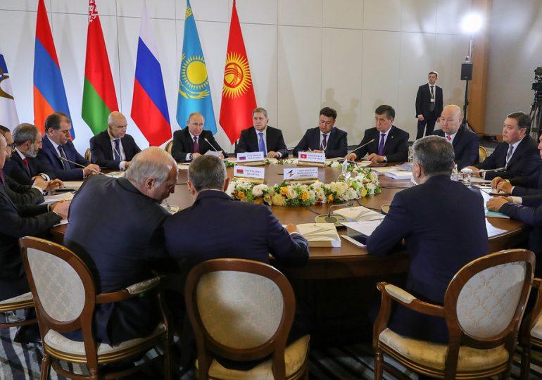 ЛидерыЕАЭСутвердилисоглашение оторгово-экономическом сотрудничестве с Китаем с 2019 г.