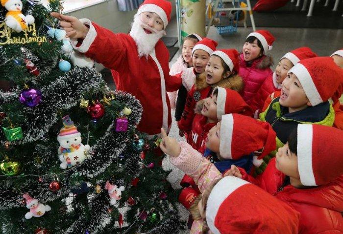 Власти китайского города Ланфан в провинции Хэбэй под Пекином запретили Рождество