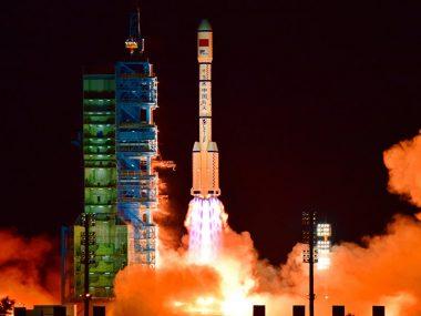 """Китай летает в Космос по формуле """"30+"""""""
