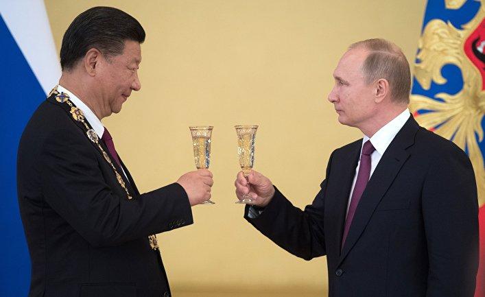 США хотят изолировать Россию и Китай -- Forbes (США)