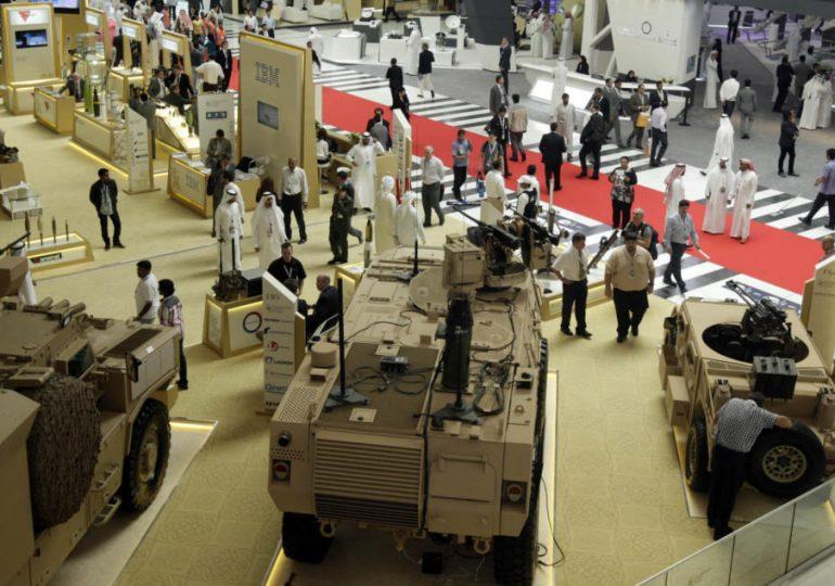 Китай представил лазерное оружие и противотанковые ракеты