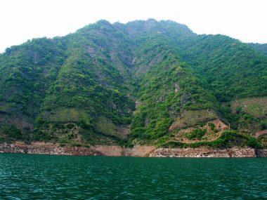 Одно изсамых живописных мест Китая — ущелье Уся