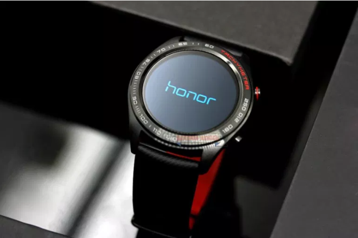 Китай вошел в пятерку крупнейших производителей на рынке «умных часов»