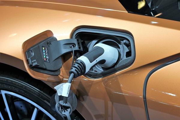 Китай проверит все электромобили на предмет пожарной безопасности