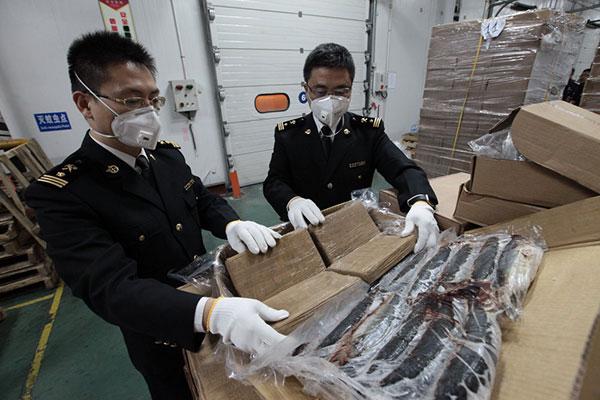 """Китай и Беларусь упростят таможенные процедуры для """"проверенных компаний"""""""