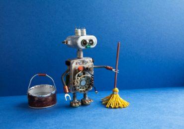 Улицы в Китае начали убирать роботы