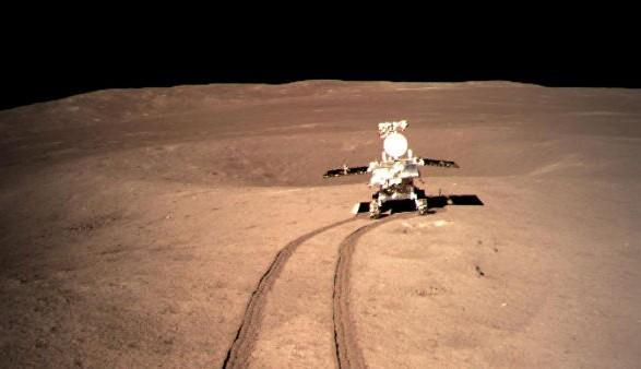 Китай вывел на орбиту три спутника