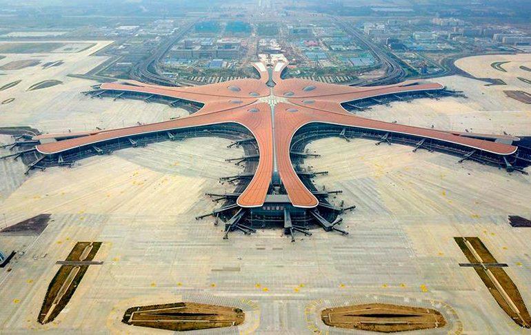 В Китае начал работу крупнейший аэропорт мира