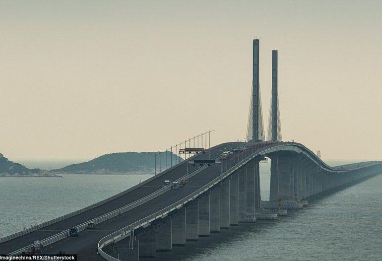 В Китае закончили строительство самого длинного моста в мире