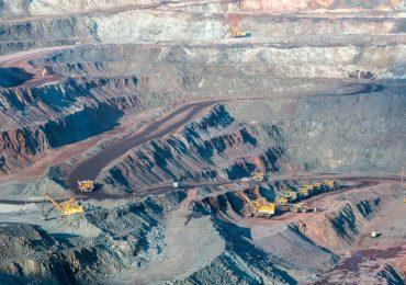 Китайские компании стали меньше покупать руду из Ирана