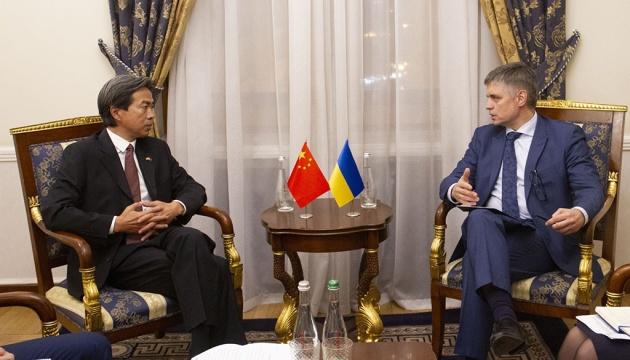 Пристайко обсудил с послом Китая вопросы торгово-экономического сотрудничества