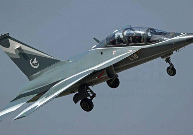 Китай представил новый самолет с украинским двигателем