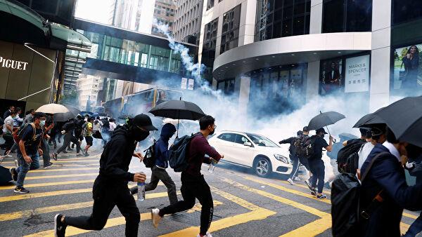 Сенат США принял законопроект по правам человека в Гонконге. В Китае возмущены