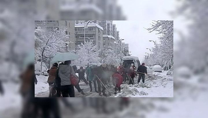 Северо-восток Китая пострадал от снежной бури