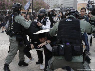В Гонконге полиция разогнала первую акцию в поддержку уйгуров