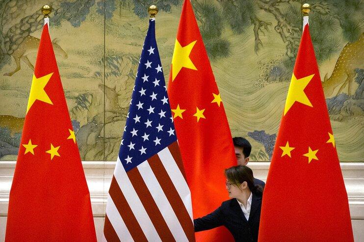 КНР и США отложили переговоры по торговой сделке из-за коронавируса