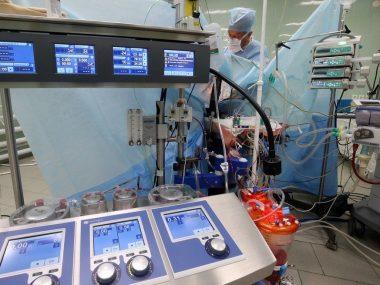 Китайский робот провел успешную операцию по замене коленного сустава