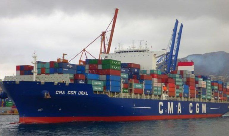 В Одессу прибывает контейнеровоз из Китая