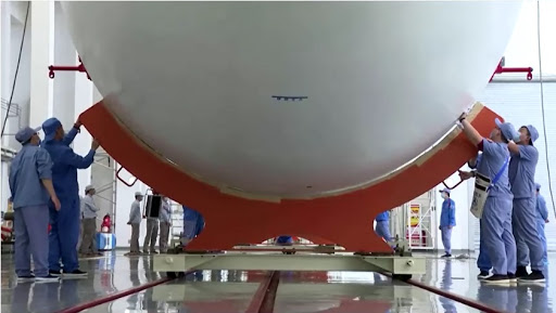 Китай подготовил к старту новую тяжелую ракету-носитель, предназначенную для выведения грузов в ближний космос