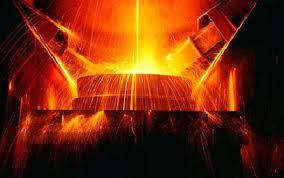 Китайские компании продолжают сокращать производство стали