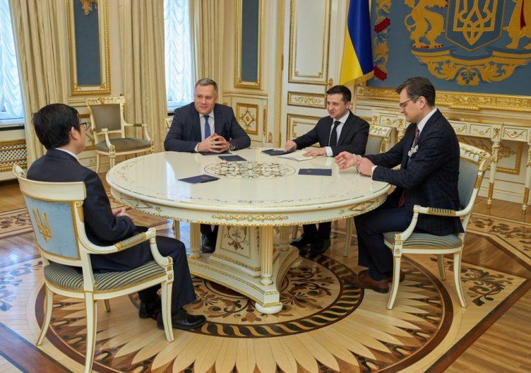 Президент Украины попросил у Китая еще тестов на коронавирус и оборудования