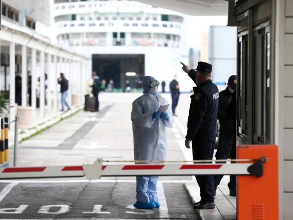 Китайские власти ввели уголовную ответственность за нарушения карантина при пересечении границы