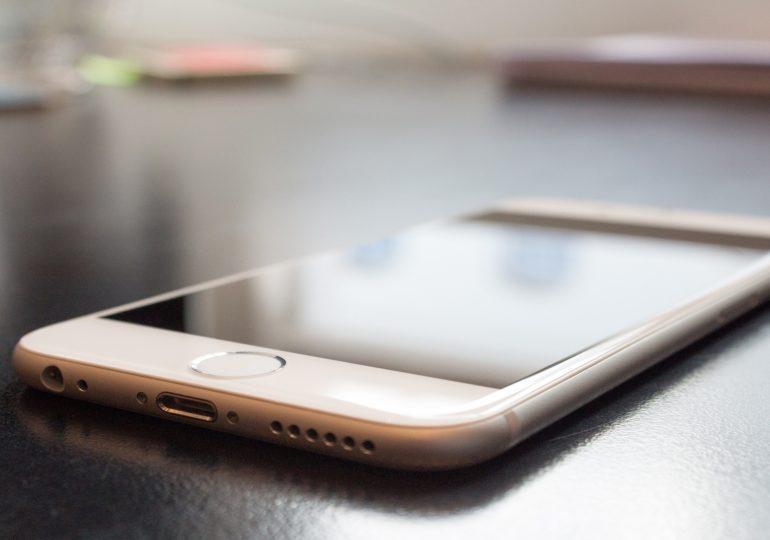 В феврале поставки смартфонов в Китай упали больше чем на 50%