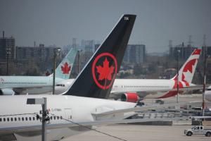 Канадские самолеты не смогли забрать медтовары из-за перегруженности аэропорта Шанхая