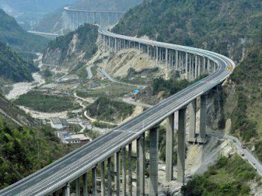 Китай возобновляет сбор оплаты за проезд на платных дорогах