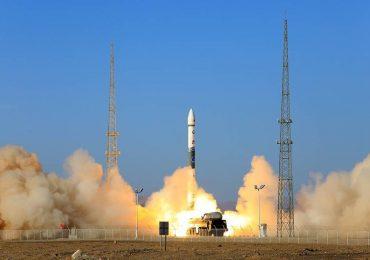 """Китай запустит спутник """"Ухань"""" в честь окончания эпидемии в стране"""