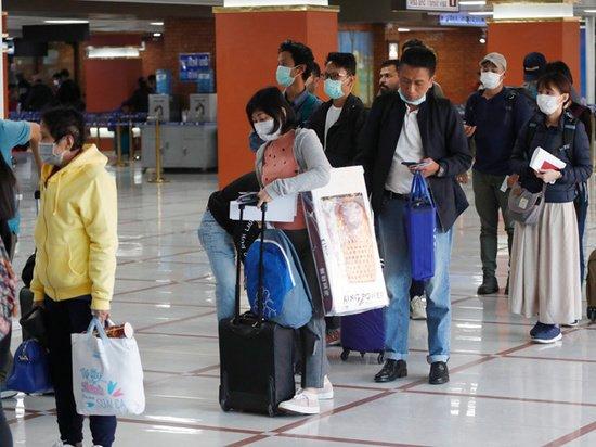 Депортация, проверки, закрытие границ: как Китай и Россия борются с вирусом полицейскими мерами