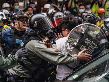 В Гонконге возобновились протесты из-за нового возможного закона безопасности