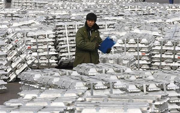 Китай сократил экспорт алюминия