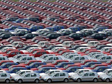 Китай впервые за почти 2 года увеличил продажи автомобилей