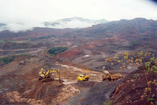 Китайские металлурги призывают к расширению внутреннего производства железной руды