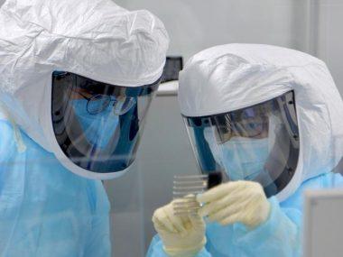 Даст иммунитет и остановит пандемию: В Китае испывают лекарство от коронавируса