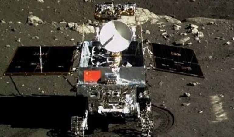 """Китайский зонд """"Чанъэ-4"""" провел 500 земных дней на обратной стороне Луны"""