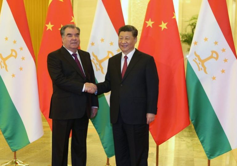 Главы Таджикистана и Китая обсудили по телефону проблемы экономики и борьбу с коронавирусом