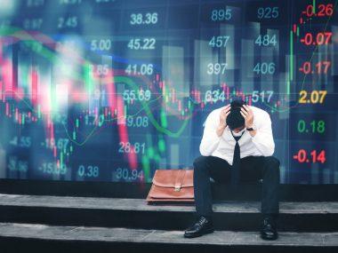 Новая вспышка Covid-19 помешает восстановлению экономики Китая - эксперты