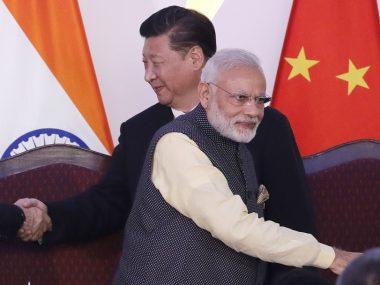 Китаю не дают покоя Гималаи