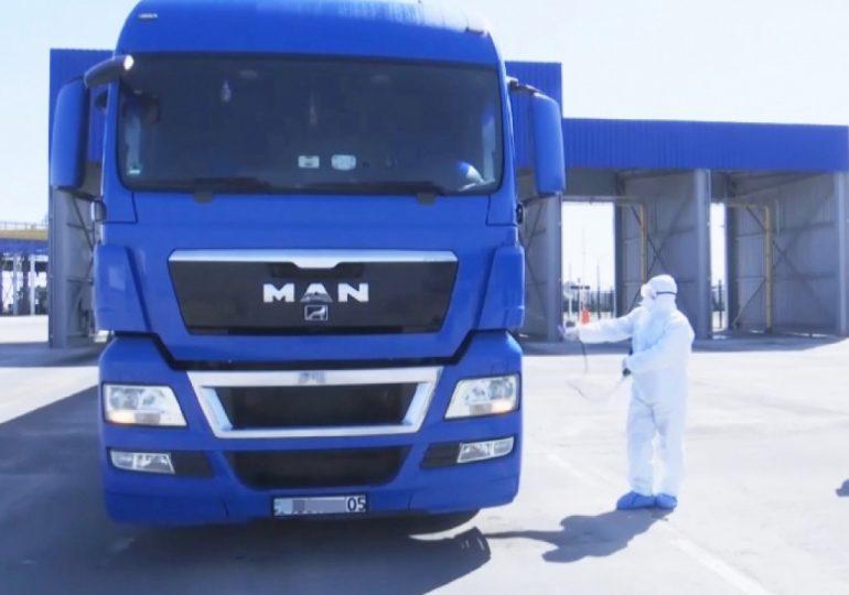 Казахстан изменил процедуру пропуска грузовых машин из Китая