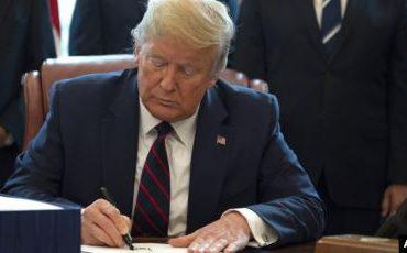 Трамп запретил гражданам США сотрудничество с TikTok и WeСhat
