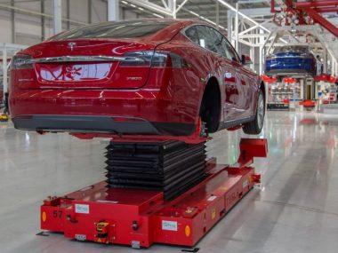 Tesla в Китае начала массовый набор сотрудников для производства новой модели авто