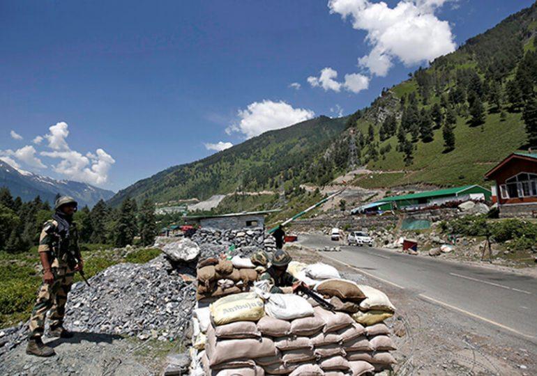 Индия и Китай договорились урегулировать конфликт на спорном участке границы в Гималаях