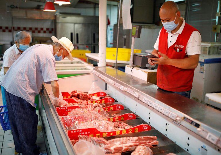 Китай почти исчерпал свои запасы замороженной свинины