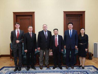 Посол Камышев обсудил углубление политического сотрудничества с Кабинетом советников правительства КНР