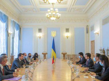 Украина и Китай будут усиливать сотрудничество на уровне парламентов