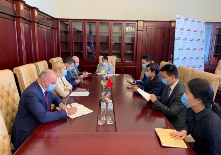 Украина и Китай обсуждают пути расширения экономического сотрудничества