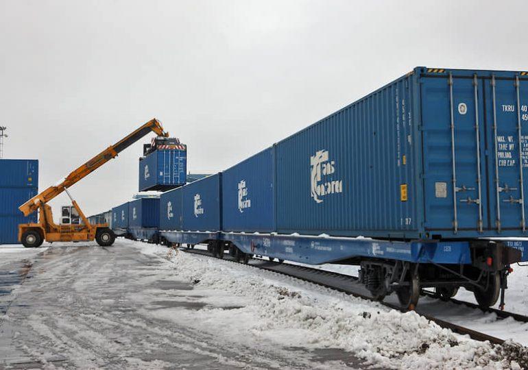 РФ хочет увеличить скорость транзита контейнерных поездов Китай-Европа
