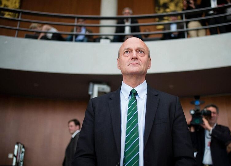 Германии стоит осознавать опасность, исходящую от Китая – экс-глава немецкой разведки